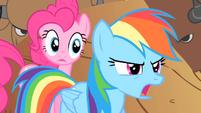Rainbow Dash tells Pinkie to run S1E21