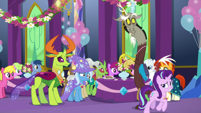 File:Starlight excuses herself from the party S7E1.png