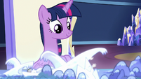 Twilight looking at the Cutie Map S8E6