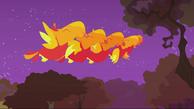 733px-Baby phoenixes blowing raspberry S2E21