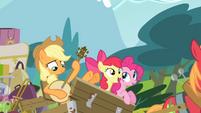 Apple Bloom singing while Applejack plays the banjo S4E09