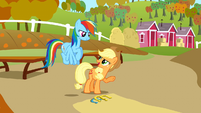 Applejack 'Not a bad pitch' S1E13