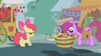 Berryshine pegando uma maçã T1E12