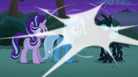 Discord's magic around Starlight, Trixie, and Thorax S6E25