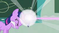 Filly Twilight shooting out a beam S1E23