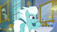 Fleetfoot brushing her teeth S6E7