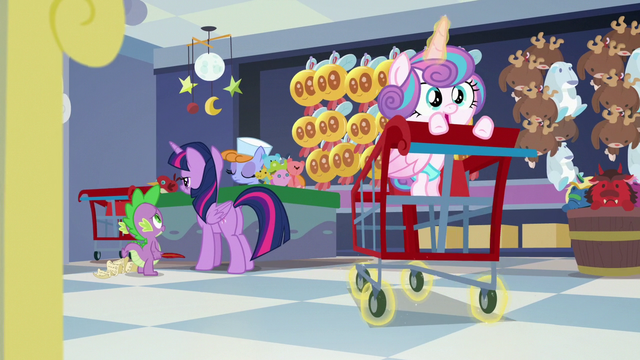 File:Flurry magically pushing the cart forward S7E3.png