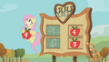 Fluttershy sees an incoming football S01E13.png