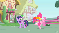 Pinkie Pie's tail starts twitching S1E15