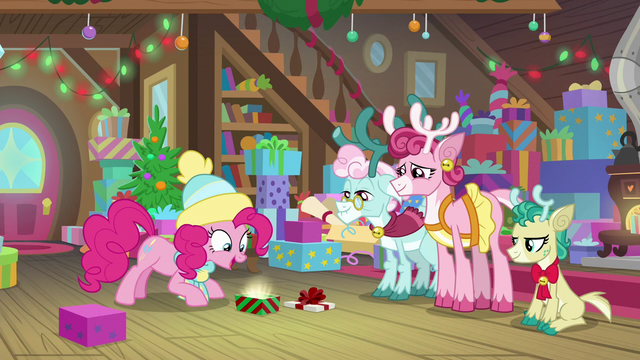 "File:Pinkie Pie ""the perfect gift!"" MLPBGE.png"