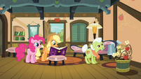 Pinkie and Applejack with the journal S4E09