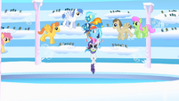 Rainbow bringing Rarity and Wonderbolts to arena S1E16