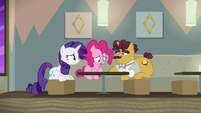 Rarity, Pinkie, and Coriander wallowing in failure S6E12