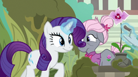 Rarity trotting with the gardener's trowel S7E25
