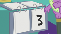 Spike changes Twi-Pie's score to three S9E16