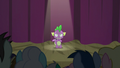 Spike standing before the audience S8E7.png