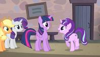 Starlight ''supongo que eres la Princesa Twilight Sparkle'' EMC-P1