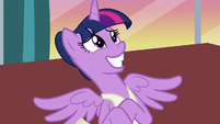 Twilight Sparkle grins nervously again S7E10