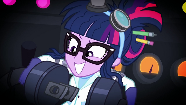 File:Twilight Sparkle holding two ends of a plug SS5.png