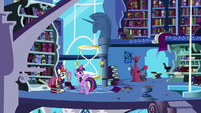 Twilight gives Moon Dancer free access to the tower S5E12