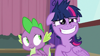 Twilight grins with twitch in her eye S9E16