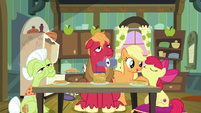 AJ giving pancakes to Apple Bloom S9E10