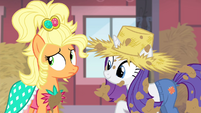 Applejack looking nervous S4E13