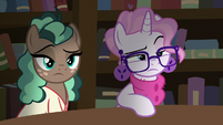 Bookstore Ponies looking very skeptical S8E8