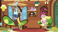 Fluttershy's tea set floats upward S5E7