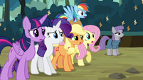 Main 5 and Maud looking S4E18