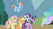 Main 5 put on poker faces before Celestia S1E10