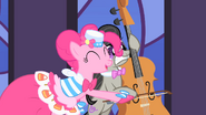 Pinkie Pie alarming Octavia S1E26