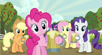 Pinkie offering cider S2E15