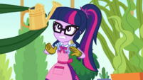 Plant grabbing Twilight's watering can EGDS8