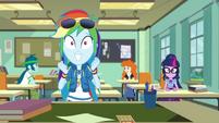 Rainbow Dash getting super-excited EGDS22