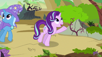 Starlight gestures to the Changeling Kingdom's plants S7E17