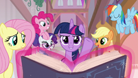 Twilight and her friends ready to teach S8E1