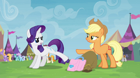 """No, you are!"" Rarity and Applejack S4E22"
