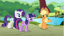 Applejack giving orders to Rarity and Twilight S01E10