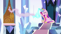Cadance magically transmits the letter S9E1
