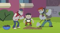 Diamond Dog boys digging a hole EG2