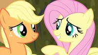 Fluttershy talking with Applejack S4E07