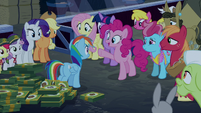 Pinkie Pie --pranks can be a lot of fun-- S6E15