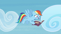 Rainbow Dash happily reading book S4E22