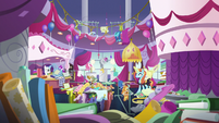 Rarity and Sassy in messy Canterlot Carousel S7E6