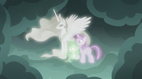 Spike standing on an invisible floor S7E1