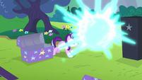 Starlight Glimmer teleporting Trixie S6E6