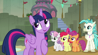 Twilight Sparkle -and... research!- S8E6