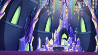 Zephyr Breeze in the sparkly throne room S6E11