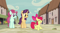 Apple Bloom dancing near Ivy Vine and Amethyst Skim S7E8